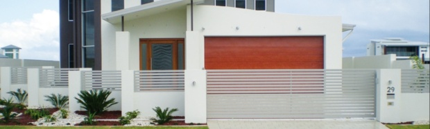Front fencing with slats